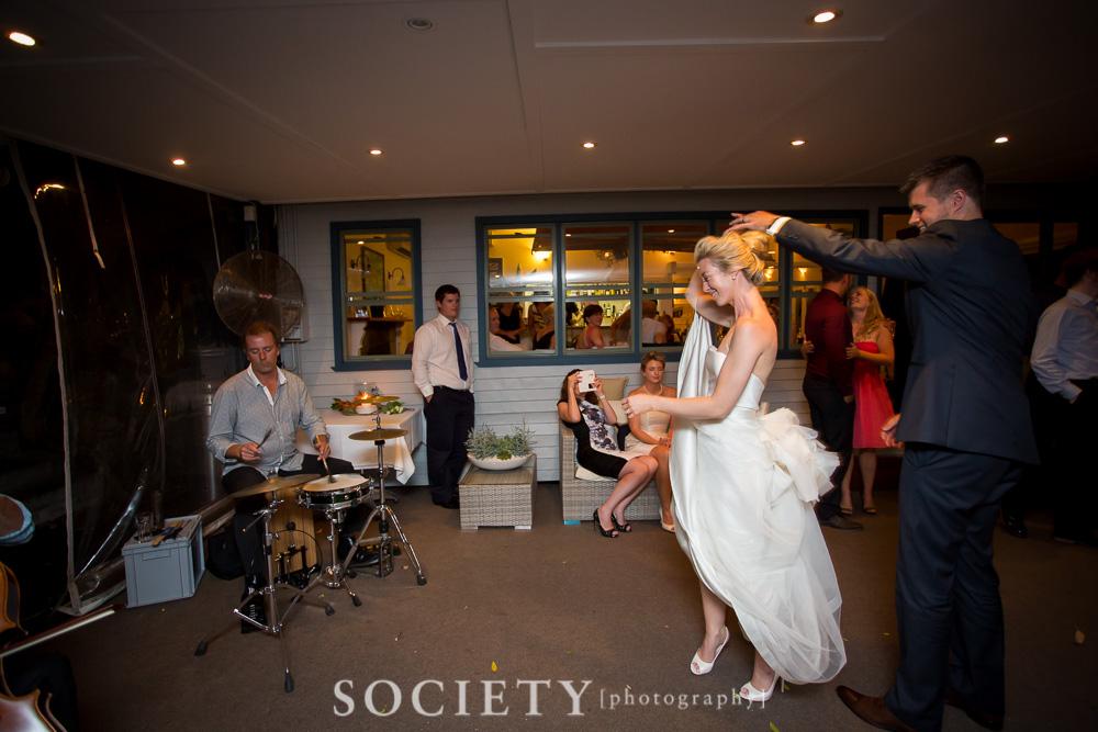ug_real_wedding_bridal_dance2